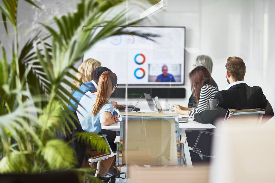 4 Considerations for Meeting Room Design in the Hybrid Workplace
