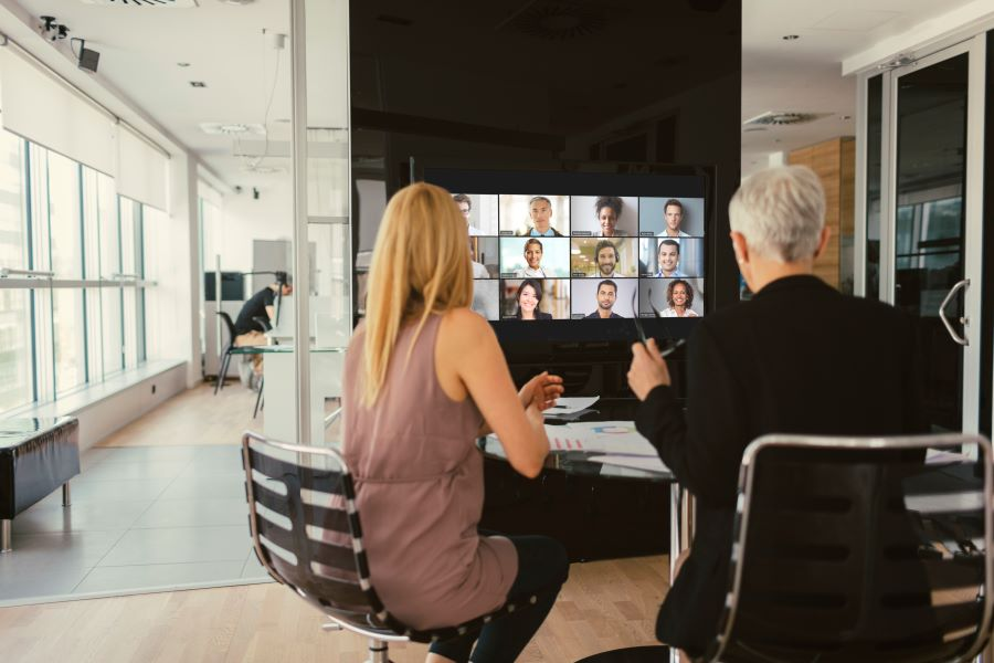 How to Design Equitable Conference Rooms for the Hybrid Workplace