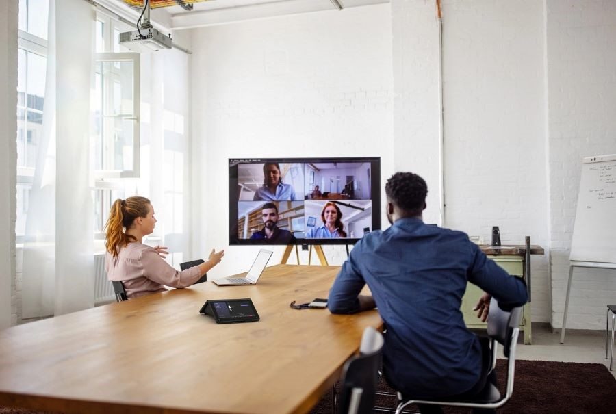 How Crestron UC Collaboration Tools Support the New Digital Workplace